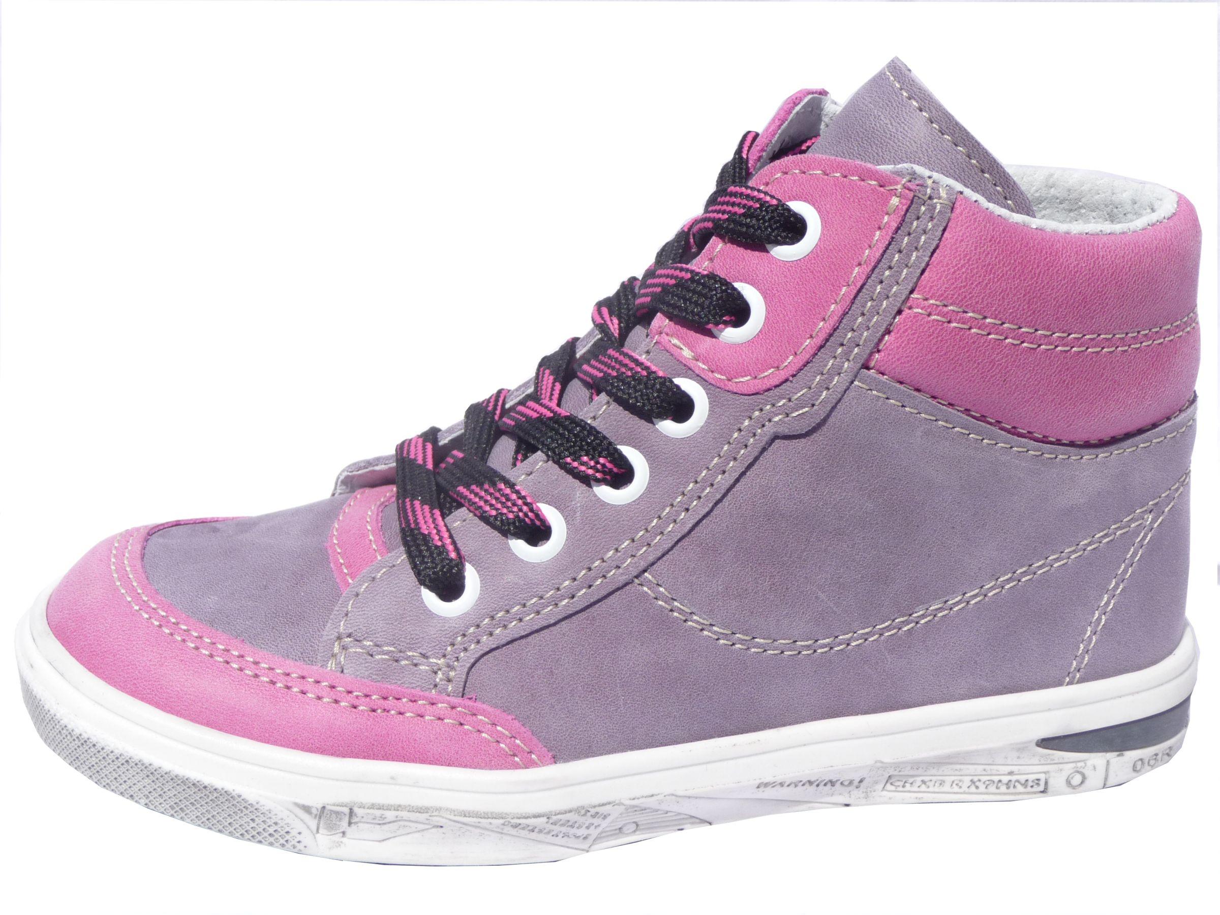 Podzim 2015 – novinkou firmy JONAP je výroba celoroční obuvi až do  velikosti 32 !!! Kompletní nabídku celoroční obuvi můžete shlédnout ... a33c214e31